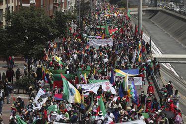 Comunidades indígenas colombianas se reúnen en Bogotá en manifestación contra gobierno de Iván Duque