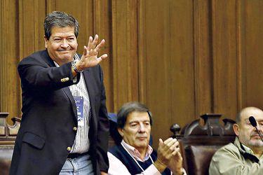 """Presidente PR le """"quita el piso"""" a Guillier por comisiones del gobierno"""