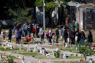 Argentina supera los 60.000 muertos por coronavirus mientras continúa el debate por clases presenciales
