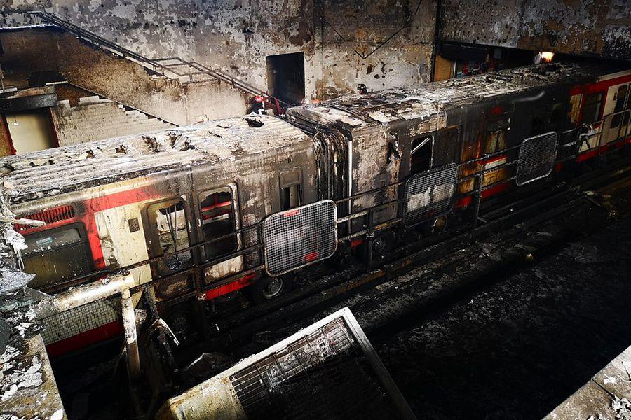 Desconocidos incendiaron estacion San Pablo del metro de Santiago