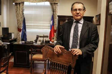 Piñera propone a Raúl Mera para la Corte Suprema