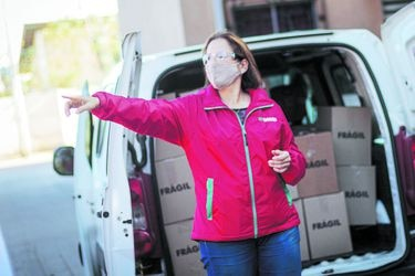 """Carolina Leitao: """"Lejos, el principal problema aquí en Peñalolén es la incertidumbre económica"""""""