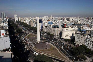 FMI dice que necesita detalles del plan económico de Argentina antes de discutir reestructuración de deuda