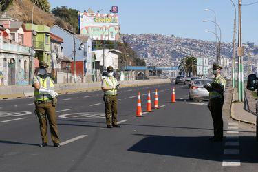 Control vehicular en la avenida España de Valparaíso.