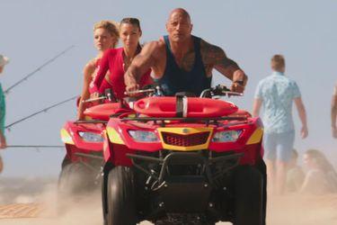 Trajes de baños, bronceados y explosiones en el TV Spot de Baywatch