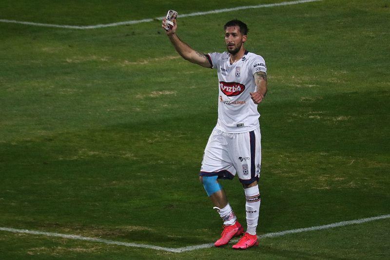 Gonzalo Sosa celebra un gol por Melipilla