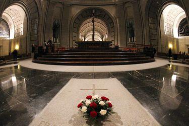 Tribunal Supremo español aprueba exhumar a Franco según el plan del Gobierno