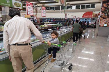 Inflación se aceleró en enero y registró aumento de 0,7% impulsada por alza en los precios de los alimentos y transporte