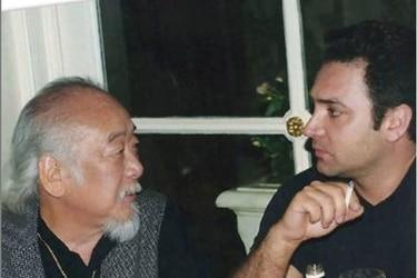 """La noche en que Luis Jara cantó """"Bésame mucho"""" (y fumó) con el señor Miyagi"""
