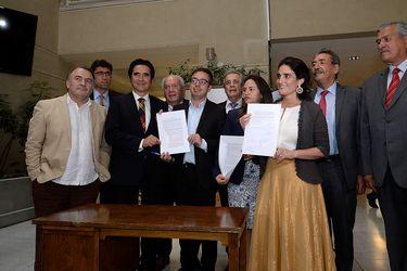 Previo a votación de reforma de pensiones en Sala, Gobierno firma protocolo de acuerdo con diputados DC e independientes