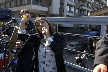 Revive el concierto rodante de Javiera Parra en medio de la pandemia