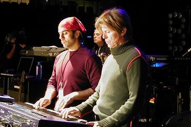 """Mark Plati repasa Hours de Bowie: """"Crecí con mucha de su música y sabía que nada sería igual después de Earthling"""""""