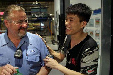 American Factory: la controvertida película de los Obama sobre una fábrica china en Estados Unidos