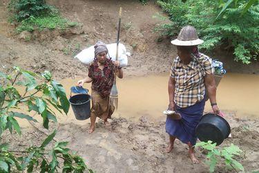 ONU se muestra alarmada por el incendio de una aldea provocado por la junta militar de Myanmar