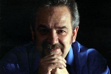 Muere Germán Droghetti, el diseñador emblema del Teatro Municipal