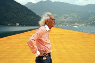 Muere a los 84 años el artista plástico Christo: el hombre que envolvía edificios junto a su esposa