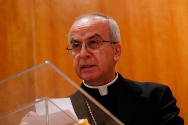 El distante rol del nuncio apostólico en medio de la crisis de la Iglesia chilena