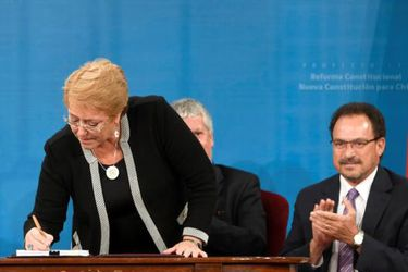 Bachelet-firma