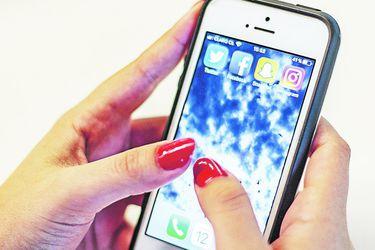 Centennials adquieren su primer smartphone a los 10 años de edad