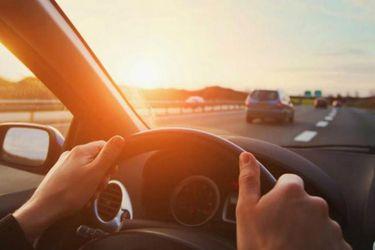 Conducir con calor puede resultar muy similar a hacerlo bajo los efectos del alcohol