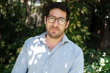 """Fernando Mardones, epidemiólogo: """"Hoy lidiamos con bacterias megaresistentes, que nos van a infectar y no vamos a tener cómo curarnos, otra pandemia silente que avanza"""""""