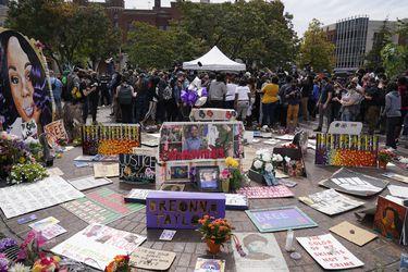 Inculpan a un oficial de policía de la muerte de joven afroamericana durante tiroteo en Louisville