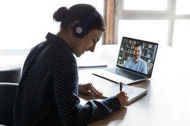 PreCampus U. Mayor desarrollará webinar gratuito sobre la brecha digital en la educación chilena