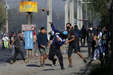 """¿Cómo enfrentar un nuevo estallido? La discusión que se instaló en Chile Vamos por la """"pandemia social"""""""