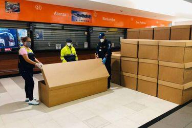 Ataúdes de cartón: La desesperada solución de Ecuador a la emergencia por coronavirus