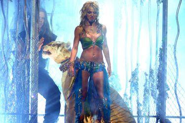 Britney Spears, Tiger King y cómo una boa y un tigre llegaron a los VMAs 2001