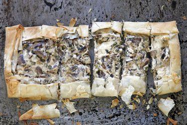 Tarta philo con champiñones y queso crema