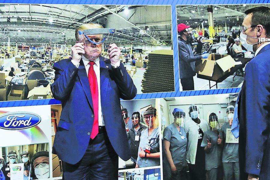 El Presidente Donald Trump durante una visita a una planta de Ford, en Michigan.