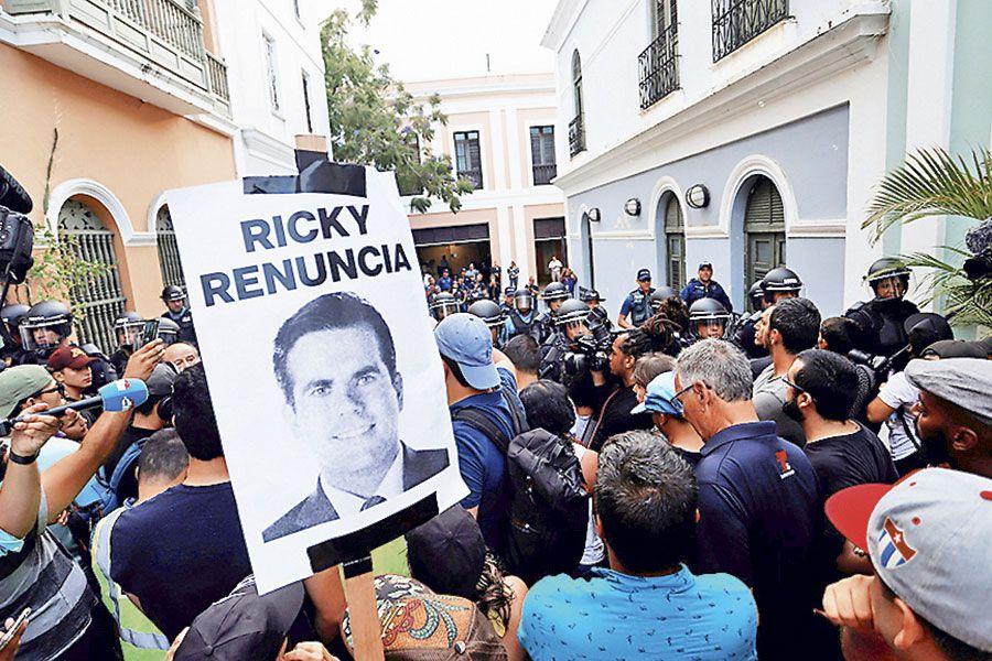 Manifestantes-puertorriqueñoWEB
