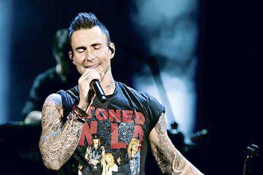 Yoga, modelos y una polémica en el Super Bowl: El perfil del enigmático líder de Maroon 5