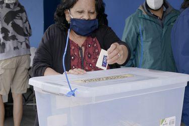 Encuesta CNTV: Inclusión de organizaciones e independientes fue lo más valorado de la franja electoral