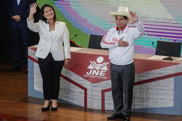Perú: Un país dividido se enfrenta a su elección presidencial más impredecible