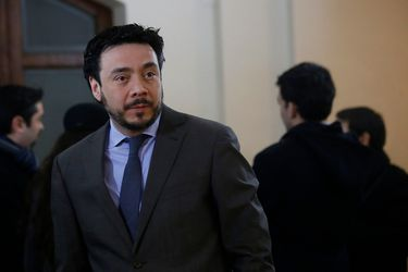 """Defensa de fiscal Arias ingresa recurso de queja en contra de juez de garantía: Acusa una """"grave"""" vulneración al debido proceso"""