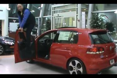 La prueba de calidad más brutal al VW Golf... y que seguramente ningún fabricante querrá ver en su auto