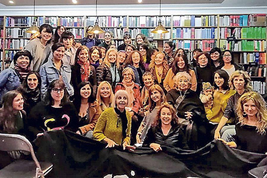 Escritoras mujeres