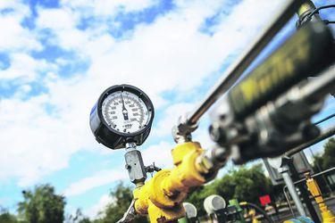 ¿Es viable retirar el gas de la matriz eléctrica? Estudio advierte riesgos para Chile