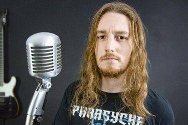 """Nico Borie, el youtuber de los clásicos del rock: """"Algunos me dicen que soy un rockero millennial"""""""