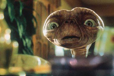ET--The-Extra-Terrestrial
