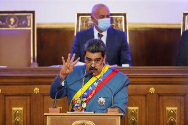 Maduro pide a congresistas abrir canales de diálogo con EE.UU.