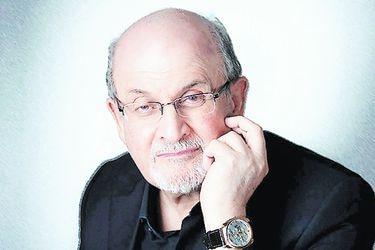 """Rushdie sobrevivió al contagio: """"El coronavirus también me paralizó a mí"""""""