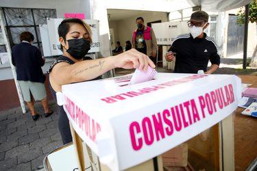 Poca participación en referendo deja en el limbo investigación a expresidentes mexicanos
