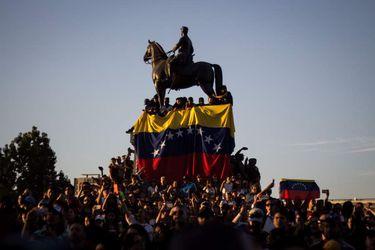 Venezolanos celebran la invalidacion del gobierno de Maduro Inmigración