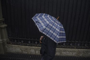 Chubascos en Santiago ponen fin al otoño más seco de la historia