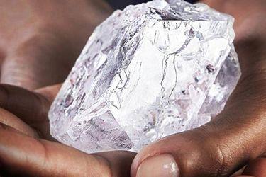 Descubren en Botswana uno de los diamantes más grandes del mundo