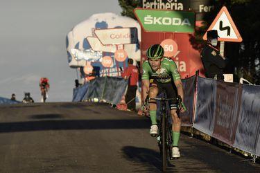Roglic gana y se acerca a Carapaz en la Vuelta