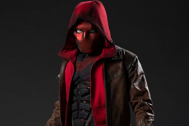 El primer vistazo a Red Hood en la tercera temporada de Titans